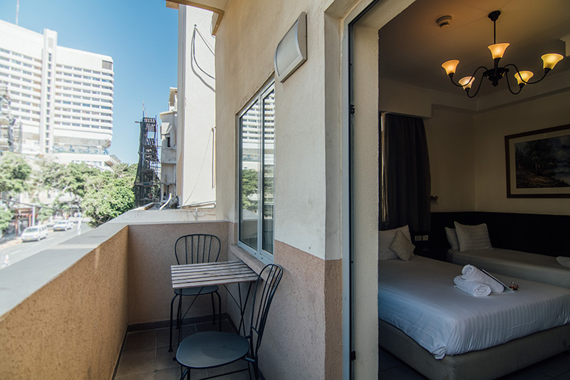 Balcony triple room